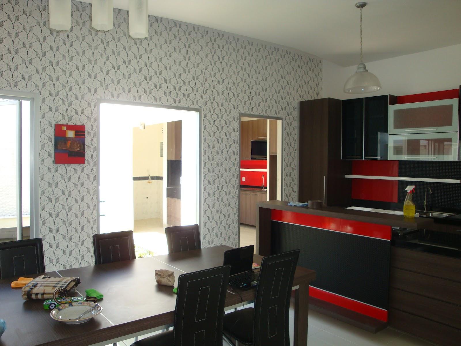 Desain Wallpaper Ruang Makan Keluarga Nirwana Deco