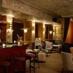 Desain Cafe Yang Keren Dengan Wallpaper Dinding