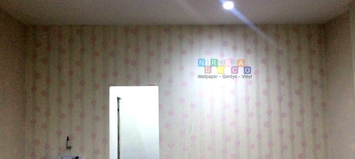 Pemasangan Wallpaper Di Jalan Gedong Kuning, Yogyakarta
