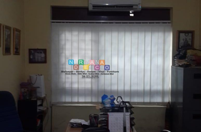 Pemasangan Vertikal Blind Di Jalan Pramuka, Sidoarum, Godean, Yogyakarta