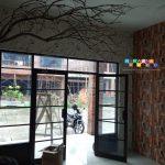 Pemasangan Wallpaper Di Jalan Raya Kledokan, Condongcatur, Sleman, Yogyakarta