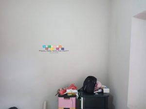 Pemasangan Wallpaper Di jalan Raya Kembang, Maguwoharjo, Depok, Sleman