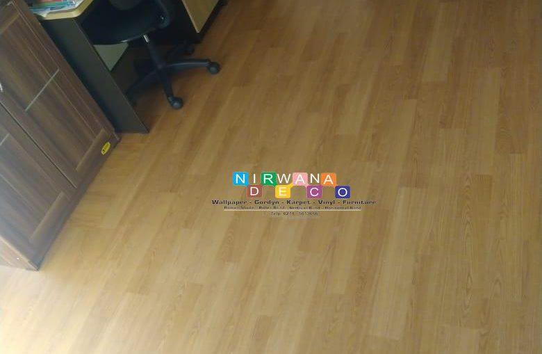 Pemasangan Vinyl Di Perumahan Puri Permata Nirwana, Yogyakarta