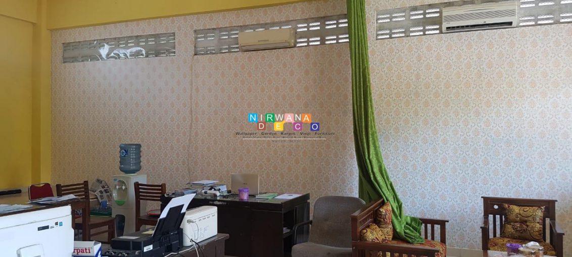 Pemasangan Wallpaper Di Jalan Arumdalu, Krapyak Wetan, Panggungharjo, Sewon, Bantul, Yogyakarta