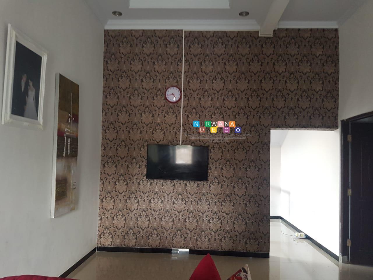 Pemasangan Wallpaper Di Jalan Soka Kadisoko Purwomartani