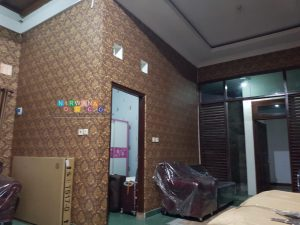 Pemasangan Wallpaper Di Jalan Gambuh, Manukan, Condongcatur, Sleman, Yogyakarta