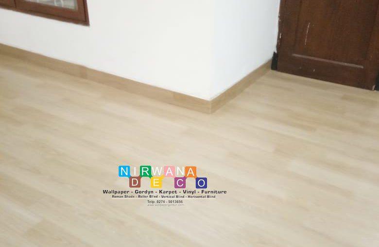 Pemasangan Vinyl Di Jalan Tanjung, Dero, Condongcatur, Depok, Sleman, Yogyakarta