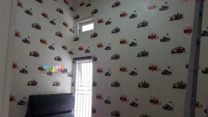 Pemasangan Wallpaper Di Jalan Sorowajan Baru, Jomblangan, Banguntapan, Bantul, Yogyakarta