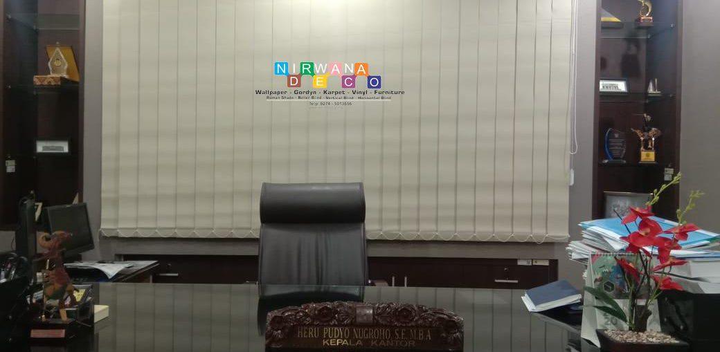 Pemasangan Vertical Blind Di Jalan Laksda Adisucipto, Kalongan, Maguwoharjo, Depok, Sleman, Yogyakarta