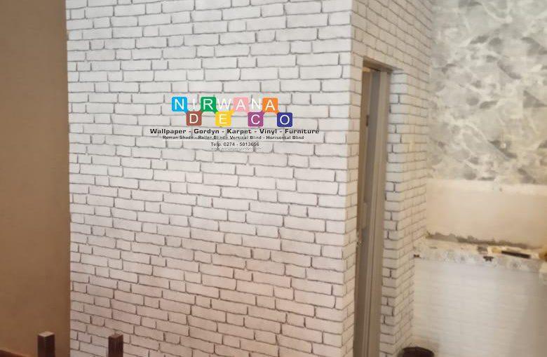 Pemasangan Wallpaper Di Jalan Kusumanegara, Muja Muju, Umbulharjo, Yogyakarta