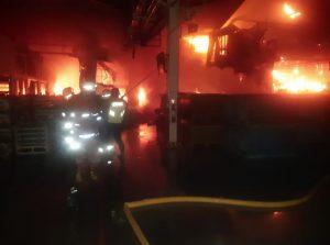 Gambar kebakaran di Pabrik Kelapa Gading